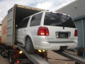 Lincoln Navigator unloading from shipping container1